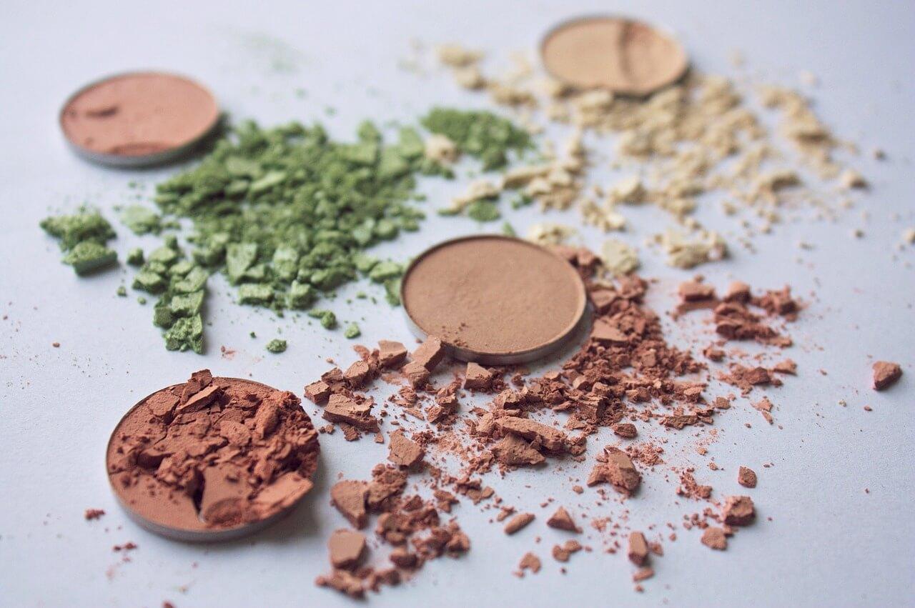 Czym czyścić skutecznie gąbki do makijażu?